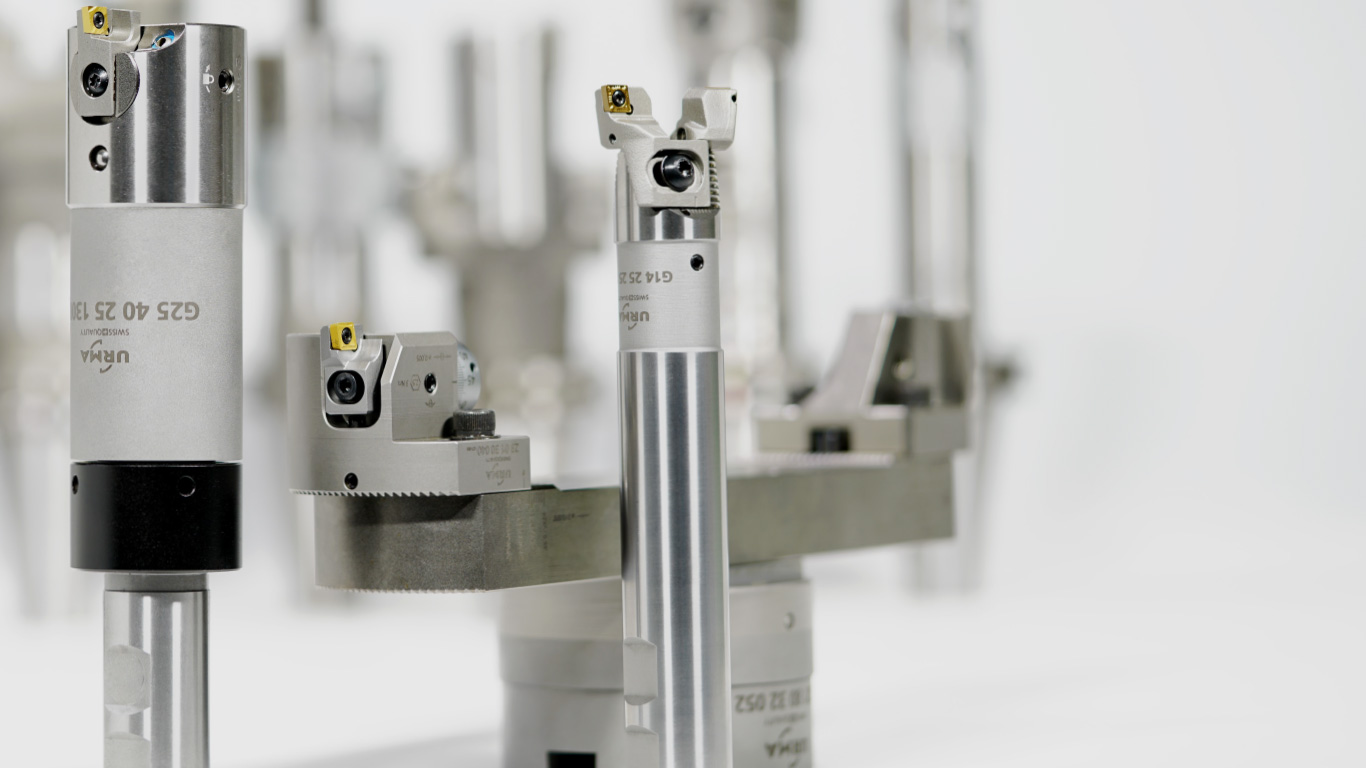 <b>Gamma System</b><br/>URMA Gamma System – Our Basic Line<br/> • The economical system<br/> • Large range (Ø 0.2mm – Ø 297mm)<br/> • System-independent<br/> •Multifunctional usability thanks to cylindrical shank<br/> •Optimal for lathes<br/> •Higher stability due to optimized axial support<br/> •Proven URMA Boring System technology<br/>