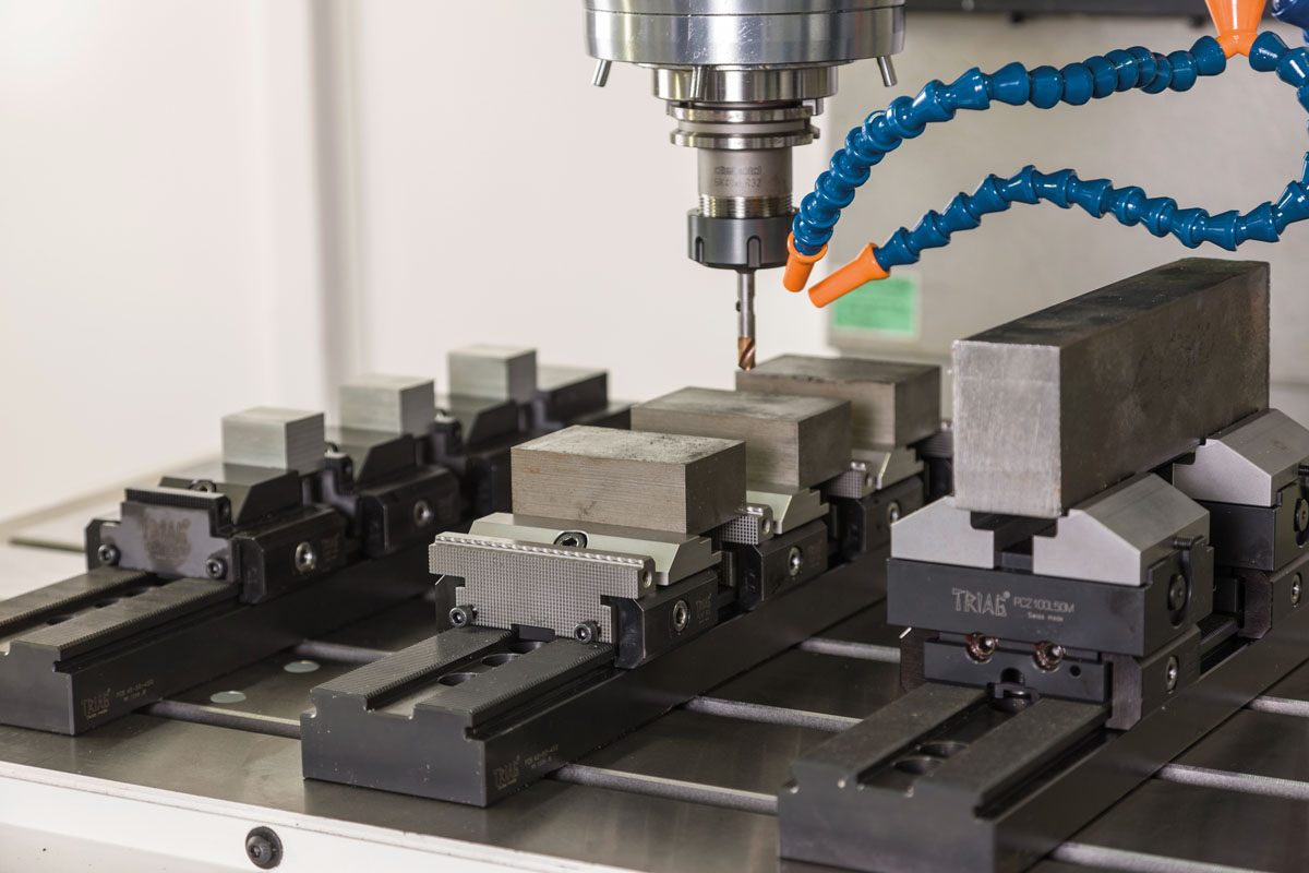 3D modular and high flexible. The multiple workholding system powerCLAMP is an all-rounder in almost all areas of the CNC milling technology.
