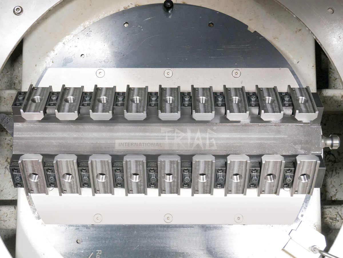 High workholding density with microCLAMP.  Small clamping modules for dedicated fixtures.