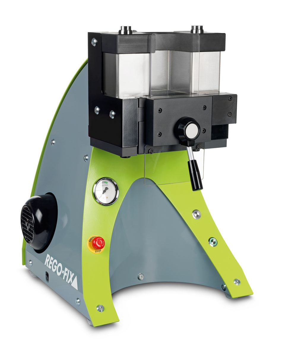 <b>Toolholding made fast, safe and easy</b><br/>The clamping unit PGU 9500 has been awarded the Red Dot design award for industrial design, highlighting the good usability and outstanding design of the machine.