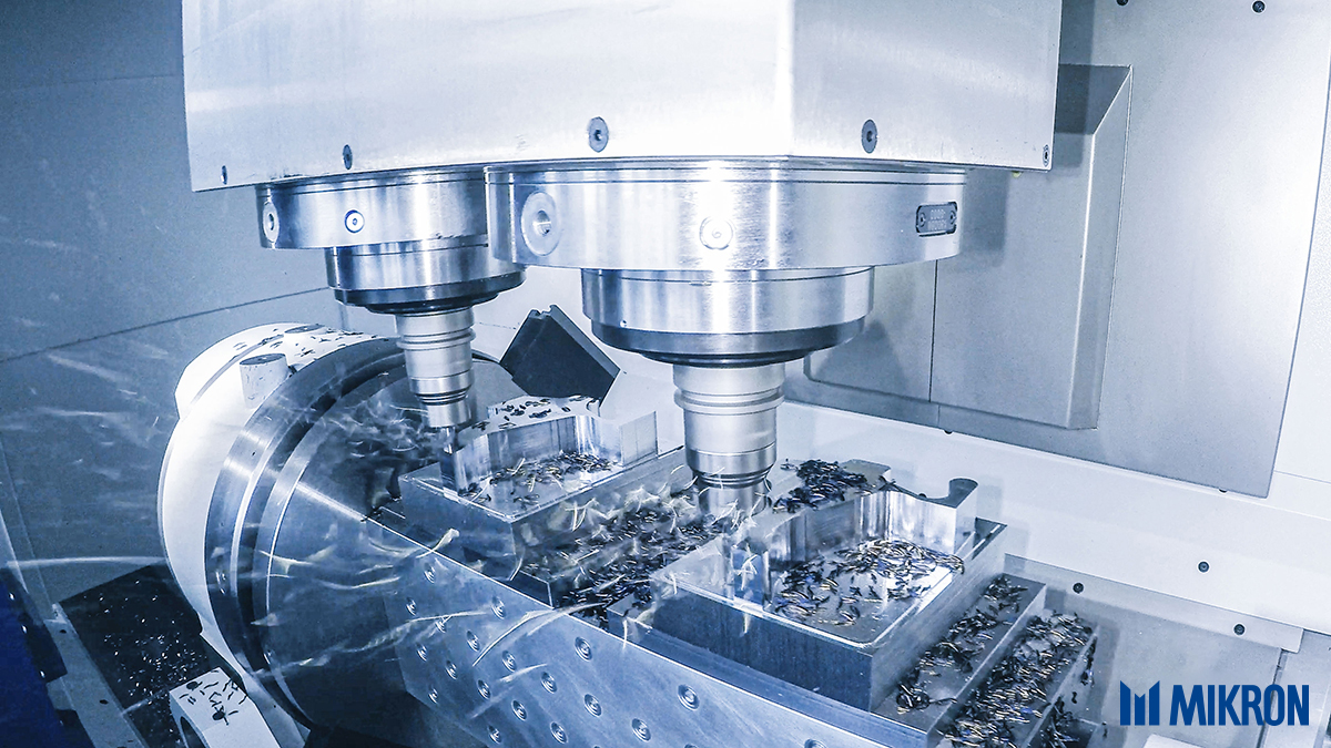 <b>Heavy machining.</b><br/>Mikron 6x6 with double spindle in action