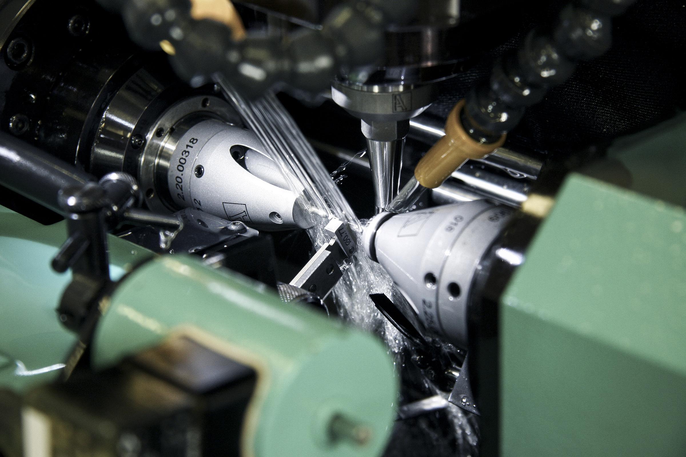 AF20 drum loader for Watch Industry